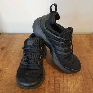 Nike Presto Triple Black Little Boy Size 1Y